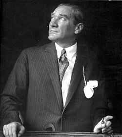 Mustafa Kemal Atatürk .jpg