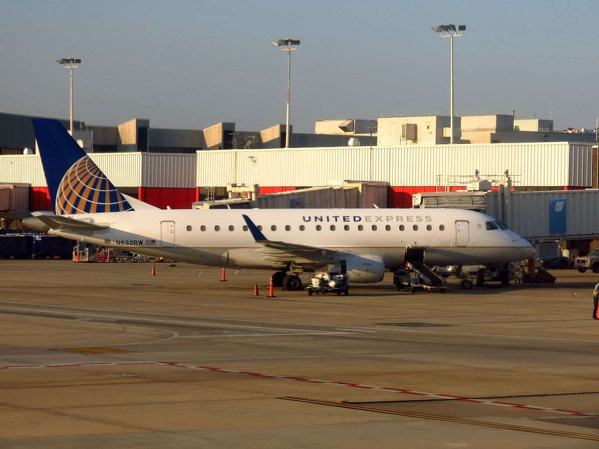 United Express Flight 3411 incident - Wikipedia
