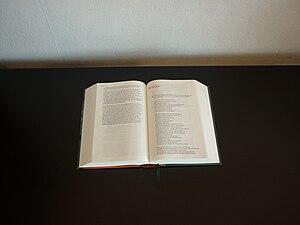Nederlands: Nieuwe Bijbelvertaling opengeslage...