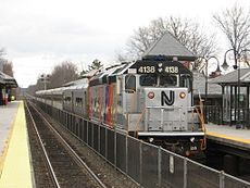 NJTR 4138 pushes Train 5440.jpg