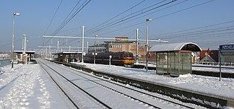 Nekkerspoel - Station Mechelen Nekkerspoel, train 838 (type MS75) arriving at platform 4, direction Brussels
