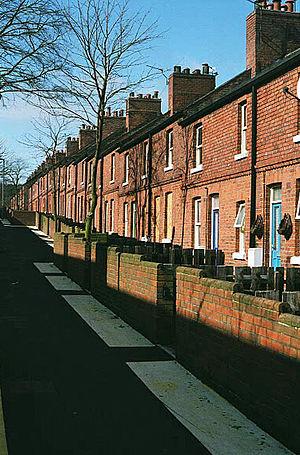 Newstead, Nottinghamshire - Image: Newstead terraced houses