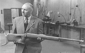 Schultz & Larsen - Image: Niels Larsen 1945