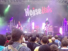 Noisettes at Rock en Seine 2007.jpg