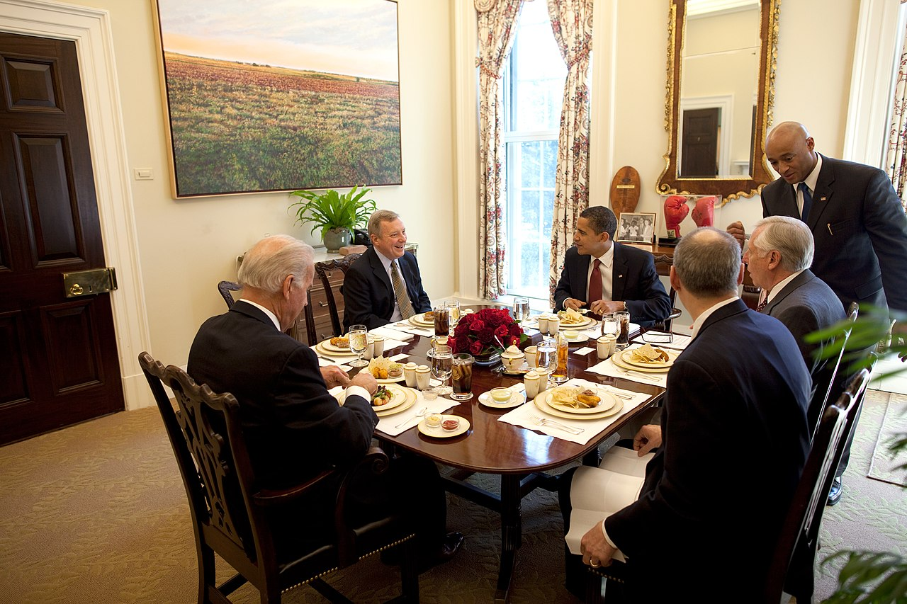 File obama biden richard durbin and steny for Dining room operations