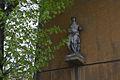 Old market statue (16709186883).jpg