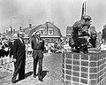 Onthulling van het herdenkingsmonument Crossline te Sliedrecht, prins Bernhard e, Bestanddeelnr 919-1065.jpg