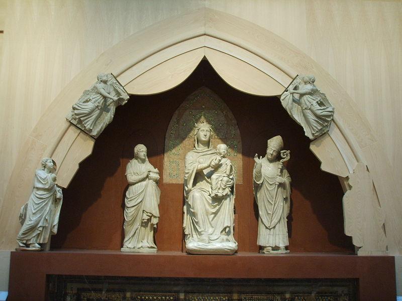 File:Opera del duomo (FI), arnolfo di cambio, madonna in trono, lunetta.JPG