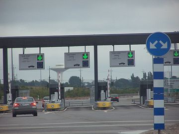 Oresund Bridge pay station.jpg