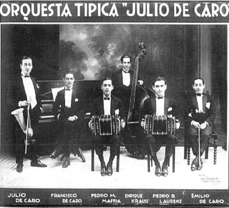 Julio de Caro - Julio de Caro (left) and his orchestra, c.1925