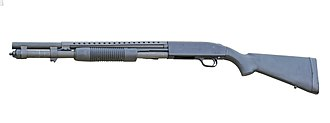 Mossberg 500 - Image: PEO Mossberg 590A1