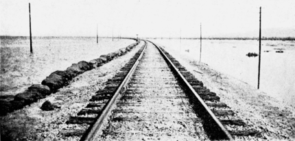 PSM V70 D016 Sandbags along s p track looking west jul 16 1905.png