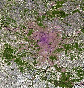Paris and vicinities, LandSat-5 false color satellite image, 2006-07-16.jpg