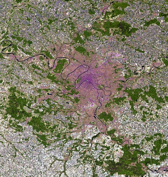 Ficheiro:Paris and vicinities, LandSat-5 false color satellite image, 2006-07-16.jpg