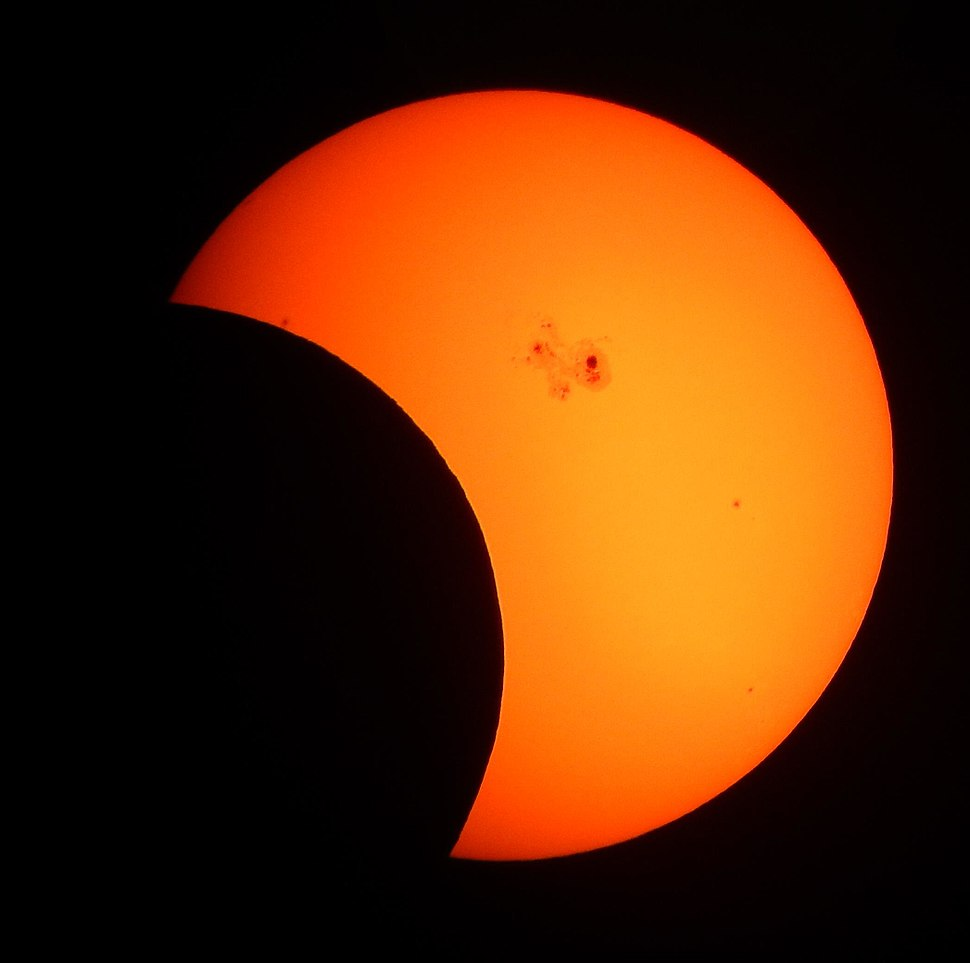 Partial Solar Eclipse of October 23, 2014 (15609084861)