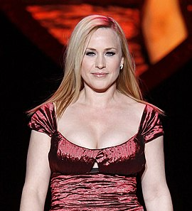 Patricia Arquette na fashion show kampaně The Heart Truth v roce 2009