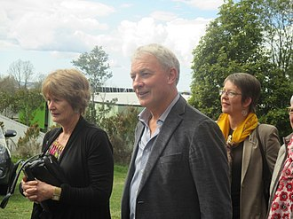 Phil Goff - Goff and his wife, Mary (left), with Wellington Mayor Celia Wade-Brown (right) in September 2015