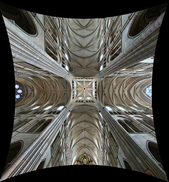 Laon Cathedral, Aisne, Picardie, France. Vault at the transept crossing: choir at bottom, nave at top, transept across.