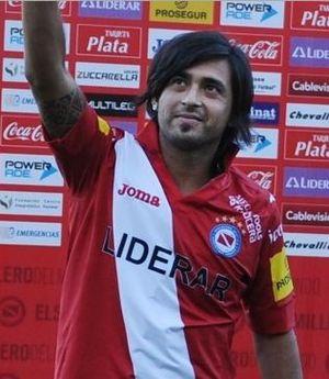 Leonardo Pisculichi - Pisculichi in his return to Argentinos Juniors
