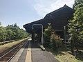 Platform of Kareigawa Station 8.jpg
