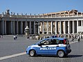 Polizia in Saint Peters square.jpg
