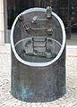 Pomnik ewakuacji bojowników getta warszawskiego 03.JPG