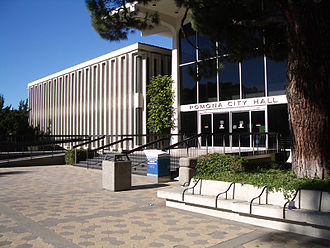 Welton Becket - City Hall Pomona, California, built in 1969, designed by Welton Becket and B.H. Anderson as two buildings joined by a central glass pavilion, Project Designer Marvin Taff (photograph taken in 2004).