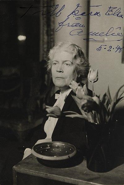 File:Portrett av Amelie Posse-Brazdova, ca. 1948 - no-nb digifoto 20160608 00006 bldsa BB 2494.jpg