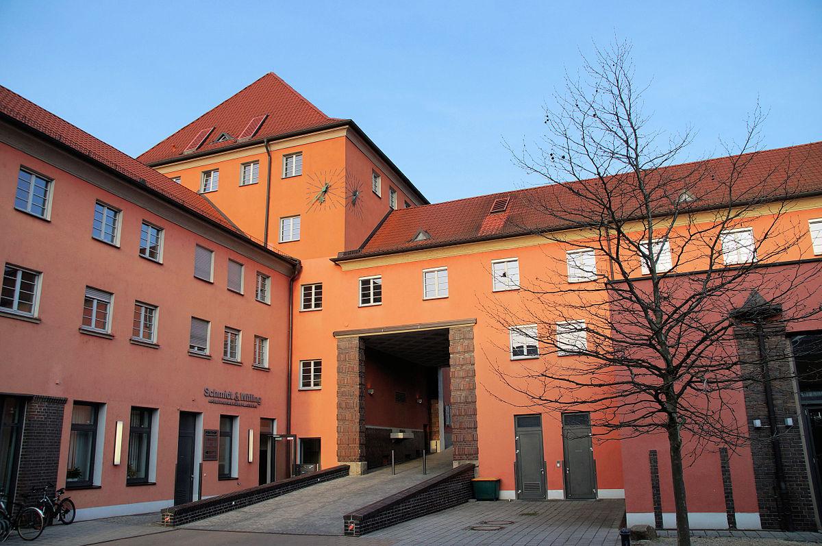 Posthof regensburg wikipedia for Depot regensburg