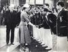 Die indische Cricket-Nationalmannschaft wird während ihrer Englandtour 1952 von Königin Elisabeth II. im Lord's Cricket Ground empfangen