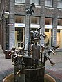 Puppenbrunnen in Aachen.JPG