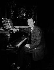 file rachmaninoff at piano hi wikimedia commons. Black Bedroom Furniture Sets. Home Design Ideas