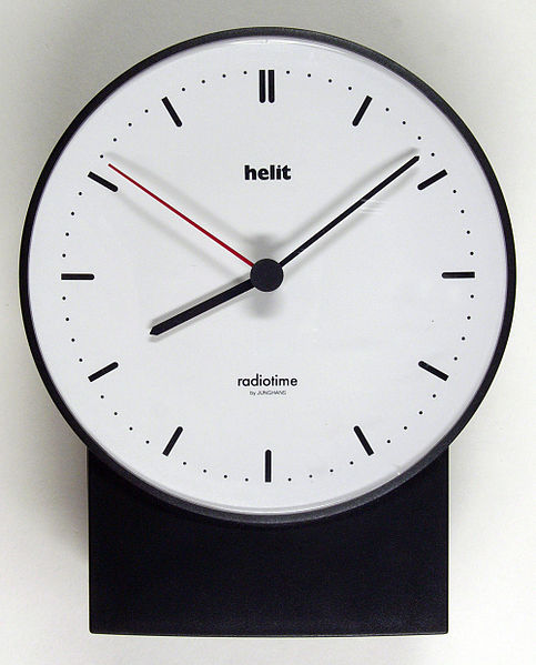 File:Radio-clock hg.jpg