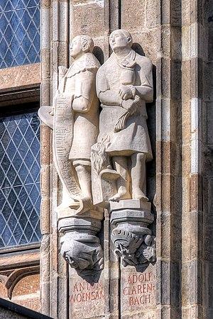 Adolf Clarenbach - Statue of Adolf Clarenbach (right) on Cologne City Hall