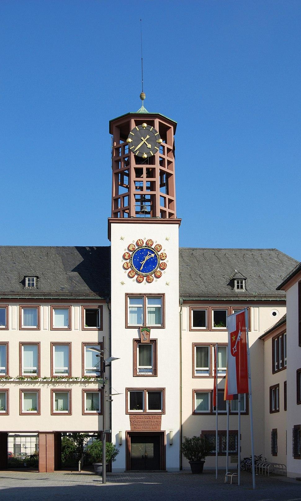 Rathausturm Worms 2009-Carschten