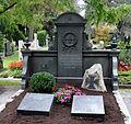 Ravensburg Hauptfriedhof Grabmal Klett.jpg