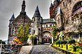 Reichsburg Cochem, Zugang zum oberen Burghof (8294659366).jpg