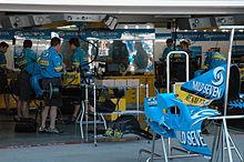 Le stand Renault au Grand Prix des États-Unis 2005.