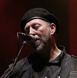 Richard Thompson - Cropredy 2005 1.jpg