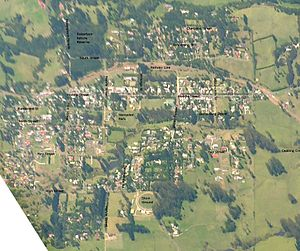 Robertson, New South Wales - Aerial photo with street names.