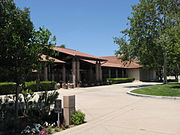 Ronald Reagan Library entrance.jpg