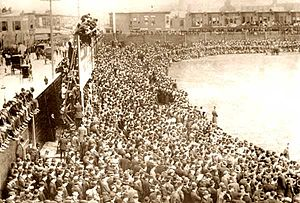 1909 Philadelphia Athletics season - Fans in Shibe Park watching the inaugural game in 1909.