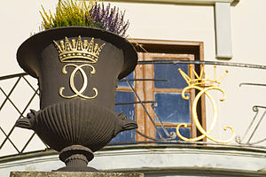 Rosersberg Palace - Flower pot and balcony with royal emplems