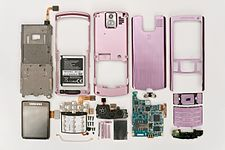 SGH-U800 (disassembled).jpg