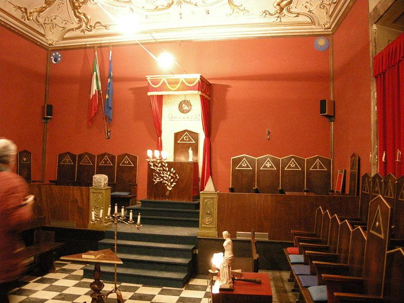 File:Sala dell'Apoteosi, tempio 02.JPG