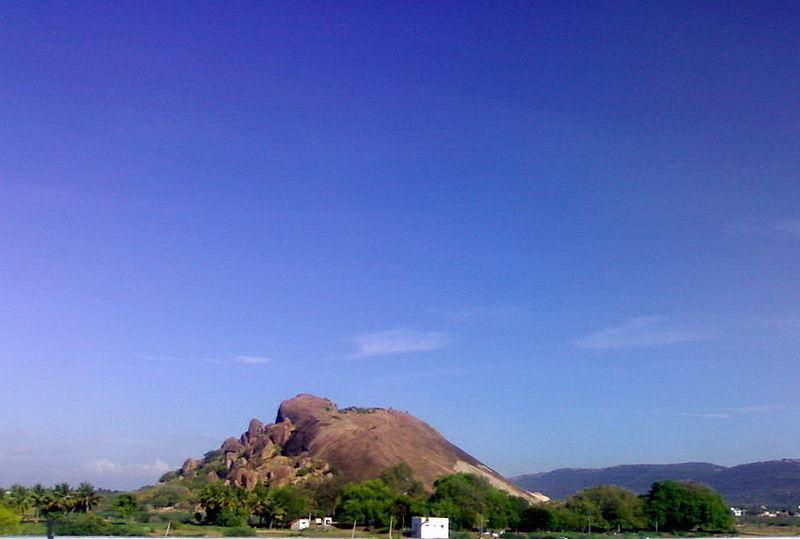 File:Samanar Malai Caves, Madurai.jpg