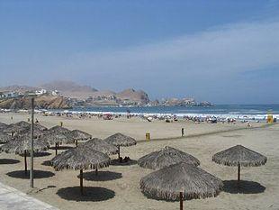 Пляж в окрузі санта марія дель мар