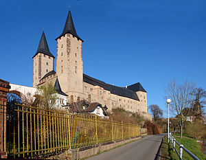 """Rochlitz Castle - Rochlitz Castle: view from the southwest with its characteristic towers of """"Finstere Jupe"""" (left) and """"Lichte Jupe"""" (right)"""