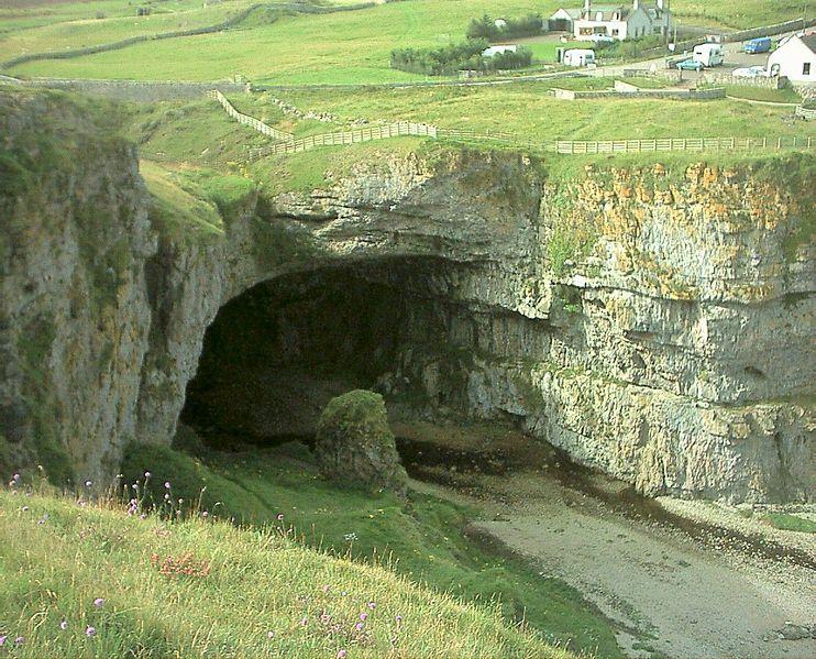 إسكتلندا (كاليدونيا )Caledonia 742px-Scotland_SmooCave