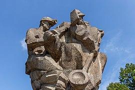 """Sculpture """"Vítězství práce"""" (Victory of Work) by Karel Vašut in the Park of Milada Horáková, Ostrava, Czech Republic 01.jpg"""